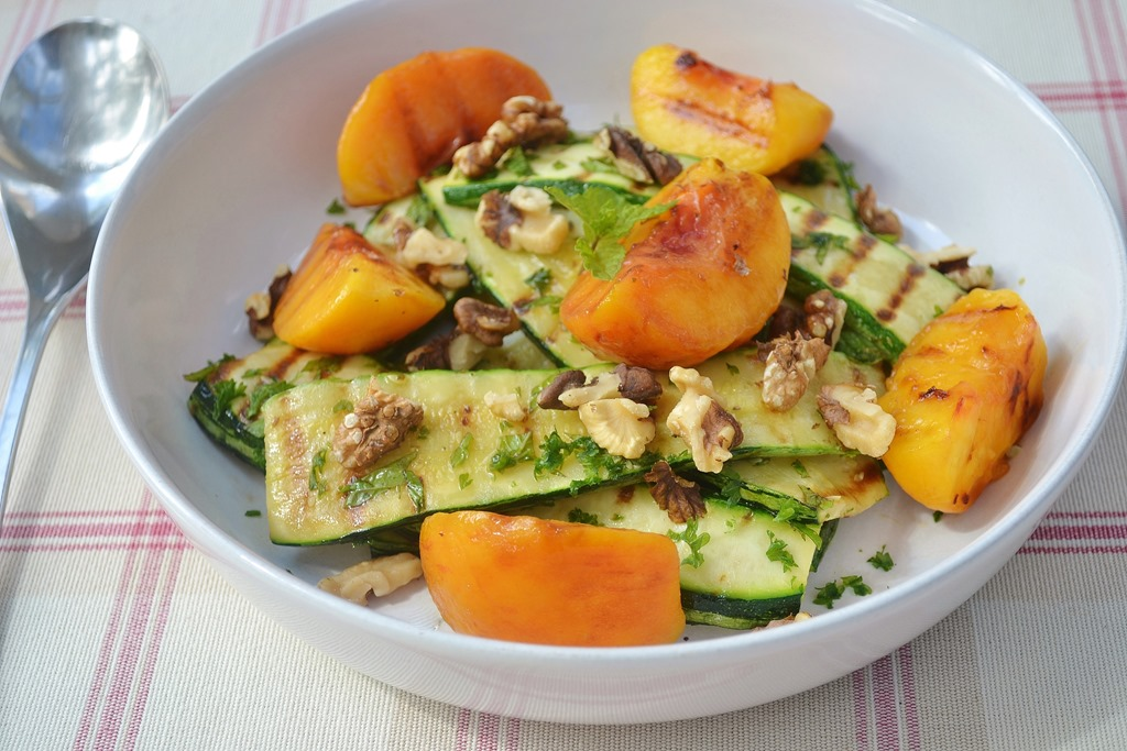 Grilled Peach, Courgette & Walnut Salad