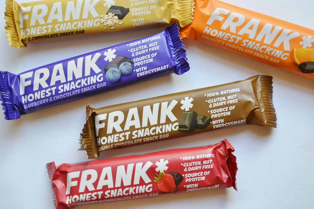 ... and bring you a review of a new snack bar on the scene: Frank Bar